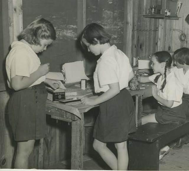 Arts & Crafts 1954